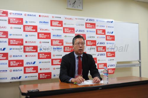 オルテガ新監督やアジア選手権のメンバーなどを発表する田口隆強化本部長