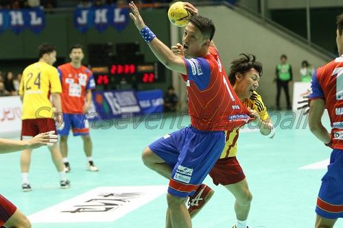 琉球に復帰した棚原。第39、40回大会と2年連続で最優秀選手賞を獲得